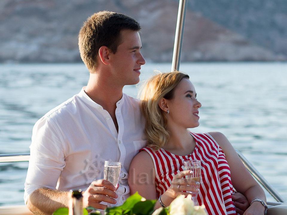 романтические-прогулки-на-яхте-в-крыму